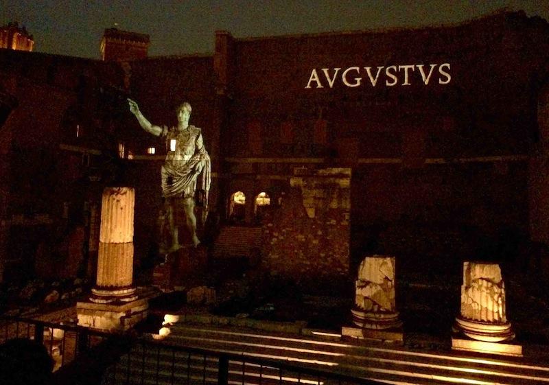 Roma,Foro di Augusto notte