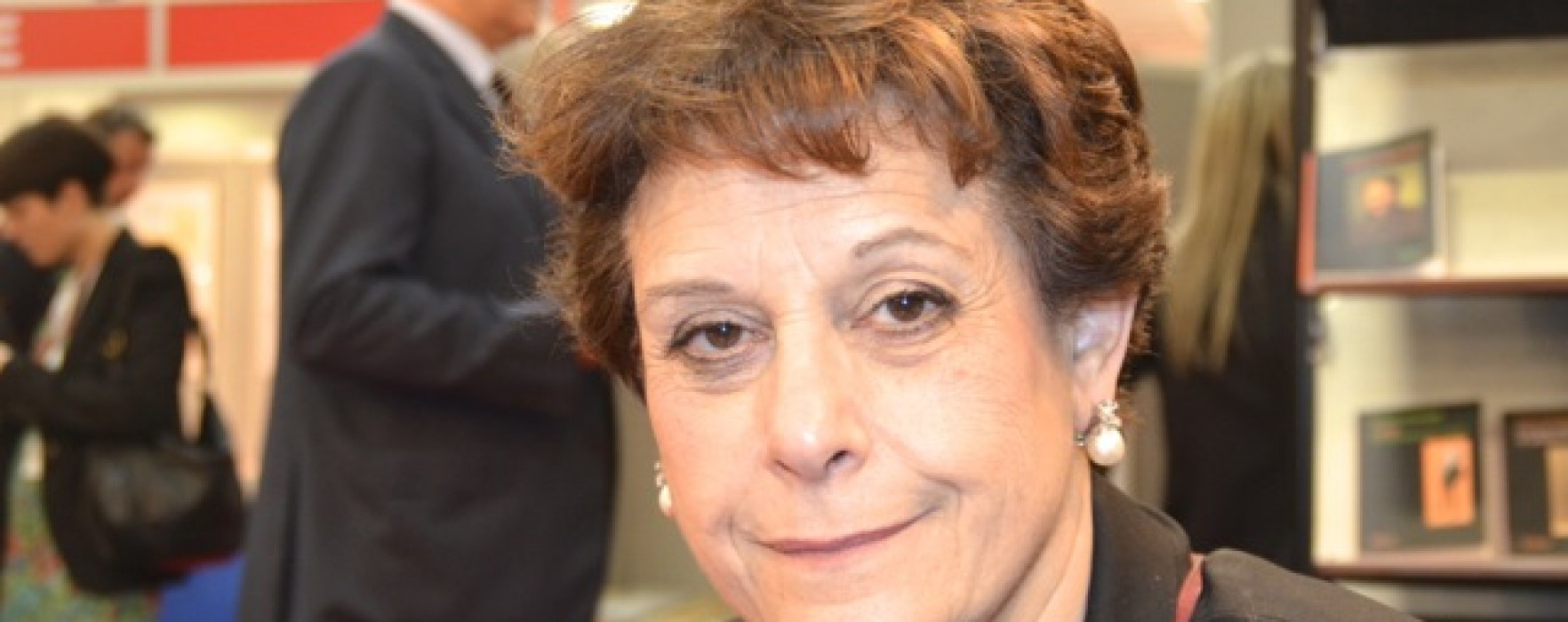 """Simonetta Agnello Hornby: """"Bisogna leggere ai bambini fin da neonati"""""""