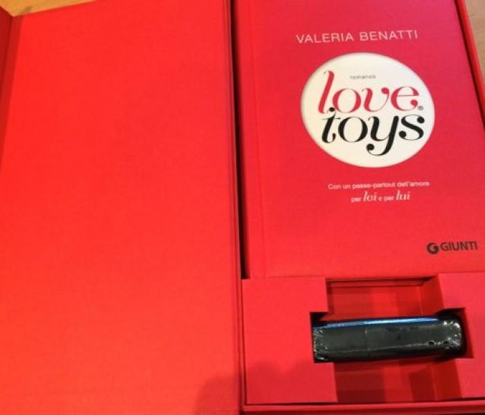 """""""Love Toys"""" di Valeria Benatti. Ironia ed erotismo"""