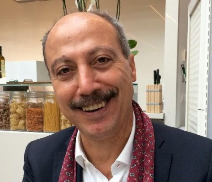 """Intervista a Carmine Abate: """"Scrivere non è nulla, la riscrittura è quello che conta"""""""
