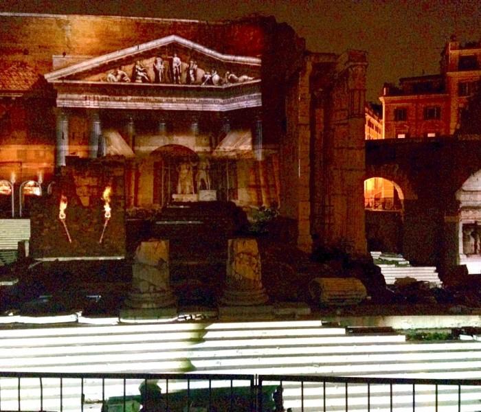 Roma, il Foro di Augusto di notte. Anche in Italia si fanno le cose per bene